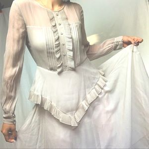 Victorian Frilly dress 💫